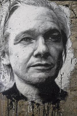 http://www.thomasfoucher.net/files/gimgs/11_20101203-assange.jpg